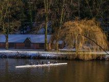 DURHAM, CONDADO DURHAM/UK - 19 DE ENERO: El Kayaking a lo largo del río Foto de archivo