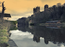 Durham-Kathedralen-und -fluss-Abnutzung Stockfotografie