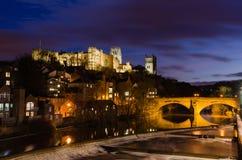 Durham stad på natten Arkivfoto