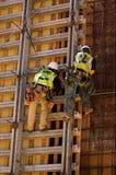 Duri lavori su un'alta parete Immagini Stock Libere da Diritti