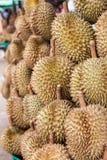 Durian in de markt Stock Fotografie