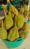 Durian en la cesta Imagen de archivo libre de regalías
