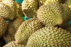 Durian en la cesta Imágenes de archivo libres de regalías
