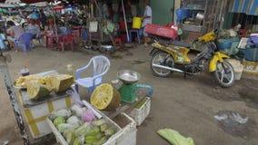 Durian en venta en la calle en Vietnam