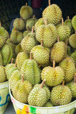 Durian, fruit sur le marché de la Thaïlande Photo stock