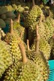 Durian i korgen Arkivfoto