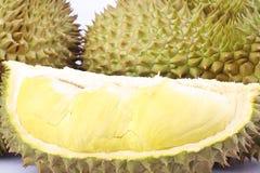 durian Mon pasek jest królewiątkiem owoc durian i durian strugający owoc talerza tropikalny durian na białego tła durian zdrowym  Zdjęcie Stock