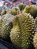 Durian owoc Tajlandia bubel w supermarketach obrazy royalty free