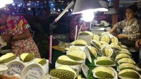 Durian-Speicher in Thailand stock video footage