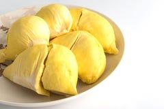 Durian (thailändsk Monthong Durian) i den vita plattan Royaltyfri Foto