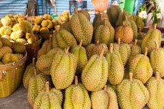 Durian Thailan exotisk för tropiska frukter på gatan Bangkok Fotografering för Bildbyråer