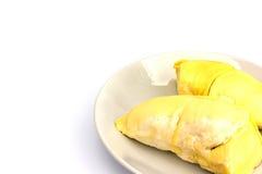 Durian trägt auf weißer Platte mit Kopienraum, König von Früchten Früchte Stockbilder