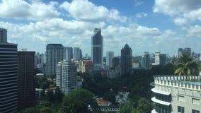 Duriang de Timelapse al día en Kuala Lumpur Building Area almacen de metraje de vídeo
