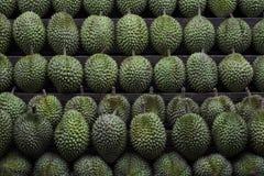 Durians från en gatastall i Ho Chi Minh City, Vietnam Royaltyfri Fotografi