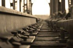 Durmientes y carriles ferroviarios, b y w Foto de archivo libre de regalías