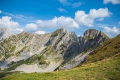Durmitor nationalpark och berg i Montenegro fotografering för bildbyråer