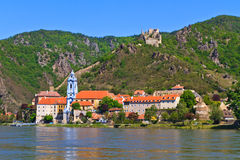 Durnstein en Danubio (valle) de Wachau, Austria Fotografía de archivo