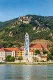Durnstein en el río Danubio en el valle pintoresco de Wachau Imagen de archivo libre de regalías