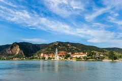 Durnstein en el río Danubio en el valle pintoresco de Wachau Fotos de archivo libres de regalías