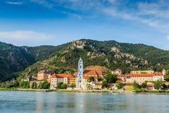 Durnstein en el río Danubio en el valle pintoresco de Wachau Imagenes de archivo