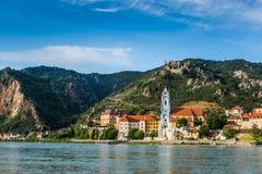 Durnstein en el río Danubio en el valle pintoresco de Wachau Foto de archivo libre de regalías