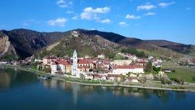 Durnstein en la región austríaca de Wachau almacen de video