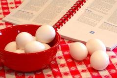 Duro - ovos cozinhados Fotos de Stock Royalty Free