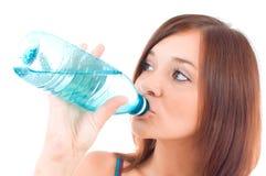 Durstige junge Frauen Stockfoto
