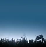 Durstige Masse am Konzert lizenzfreies stockfoto