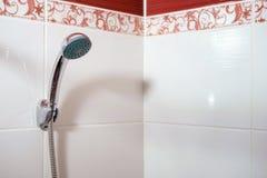 Dusch i badrum royaltyfria foton