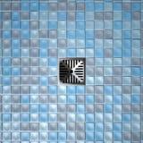 Duschboden-Abfluss und Mosaiken Stockfotografie