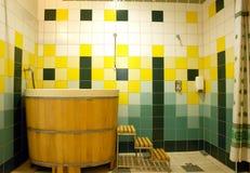 Dusche und Therapiewanne Stockbilder