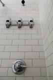 Duschkabine und Seifenspender Lizenzfreies Stockbild