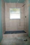 Duschrenovering - duschpanna arkivfoto