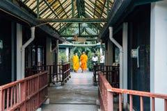 Dusitdierentuin en monniken in Bangkok, Thailand royalty-vrije stock foto's