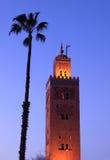 dusk μουσουλμανικό τέμενος του Μαρακές koutoubia στοκ εικόνες