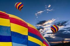 dusk μπαλονιών αέρα καυτό Στοκ Εικόνες