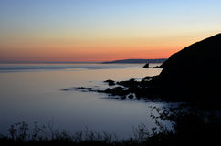 Dusk πέρα από τη θάλασσα Στοκ Εικόνα