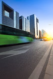 dusk πόλεων σύγχρονη οδός στοκ φωτογραφίες