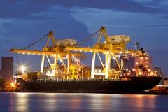 dusk φορτίου σκάφη Στοκ Εικόνα