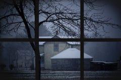 dusk χιόνι wondow Στοκ φωτογραφία με δικαίωμα ελεύθερης χρήσης