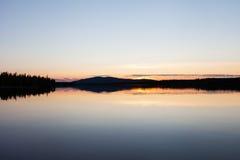 Dusk湖 图库摄影