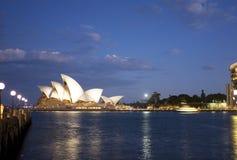 dusk house opera sydney στοκ φωτογραφίες με δικαίωμα ελεύθερης χρήσης