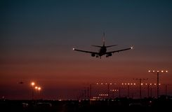 Dusk Jet Landing 2 Royalty Free Stock Photography