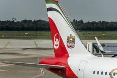 DUSSELDORF, ALLEMAGNE LE 3 SEPTEMBRE 2017 : Airbus A320 Air Berlin à l'aéroport de Dusseldorf tout en roulant au sol Photos libres de droits