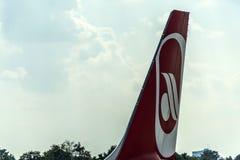 DUSSELDORF, ALLEMAGNE LE 3 SEPTEMBRE 2017 : Airbus A320 Air Berlin à l'aéroport de Dusseldorf tout en roulant au sol Image libre de droits