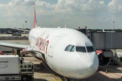 DUSSELDORF, ALLEMAGNE LE 3 SEPTEMBRE 2017 : Airbus A320 Air Berlin à l'aéroport de Dusseldorf tout en roulant au sol Images libres de droits