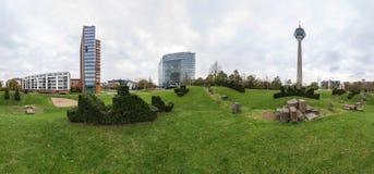 Dusseldorf bij schemer Royalty-vrije Stock Foto