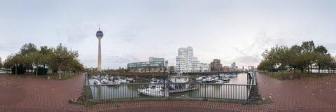 Dusseldorf bij schemer Royalty-vrije Stock Afbeeldingen