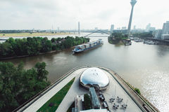 Dusseldorf cityscapehorisont på sommar 2017, Tyskland Arkivbild